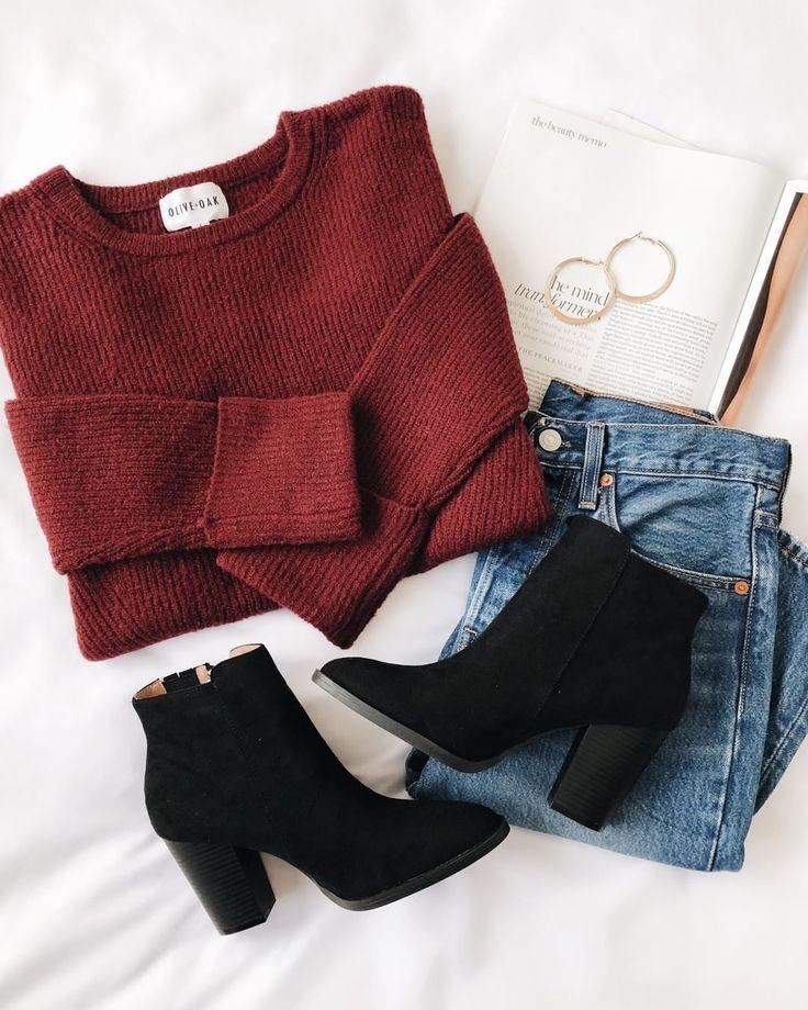 Weinfarbener Pullover mit schwarzen Wildlederstiefeln ♥ lov #lovelulus – Winter Kleider