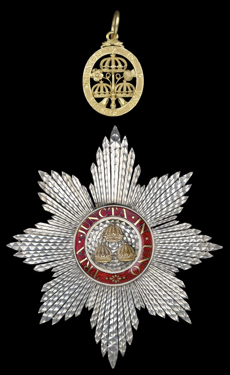 Order of the Bath, K.B., Georgian Knight's set of insignia, , comprising sash badge 43mm and breast star, 122mm x 108mm. circa 1800.