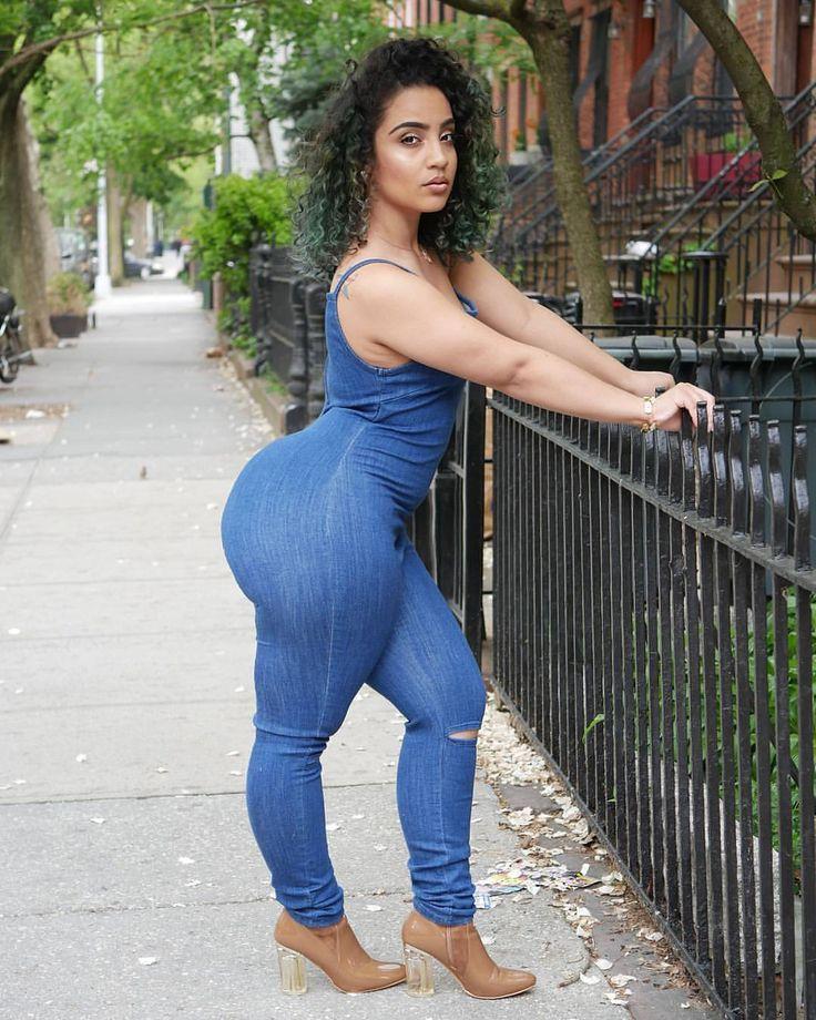 sexgirle-latina-ass-jeans