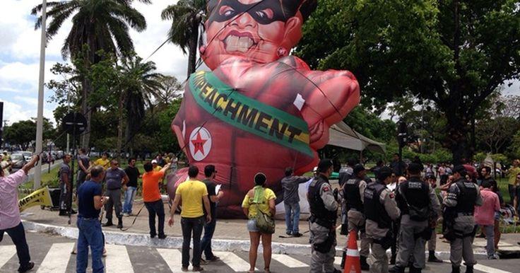Grupo é detido em protesto contra Dilma Rouseff em João Pessoa