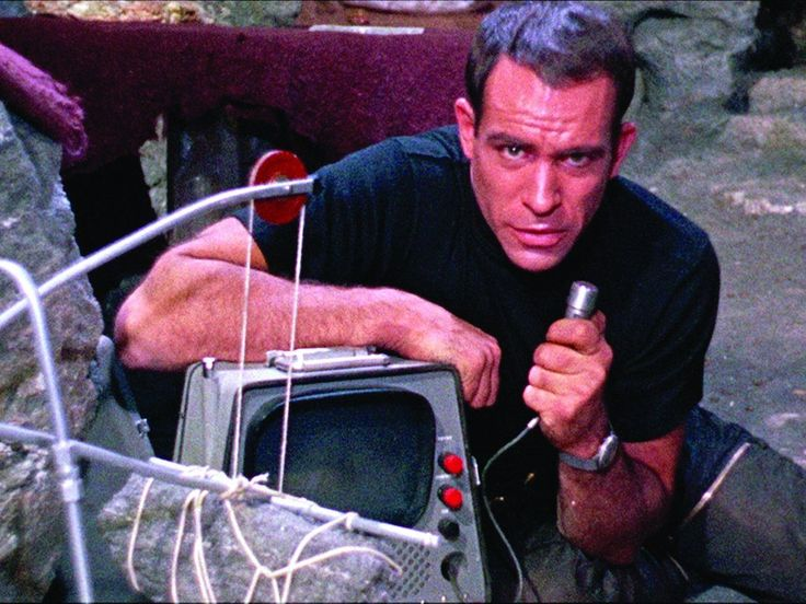 Paul Mantee, in Robinson Crusoe on Mars  http://family-friendly-movies.com/science-fiction/robinson-crusoe-on-mars/