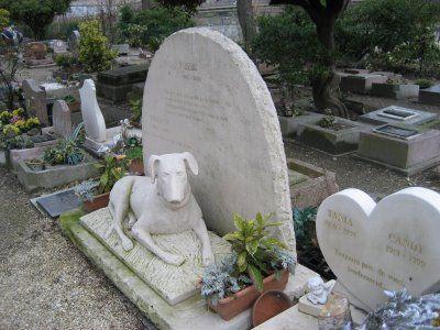 """""""Cimetiere des chiens"""", el cementerio de mascotas deParís."""