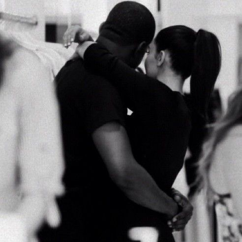 Beauty and the Mist - everything about beauty: Kim Kardashian expecting her first baby