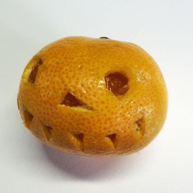 Minikurpitsa | lasten | askartelu | syksy | halloween | kurpitsa | mandariini | käsityöt | koti | kierrätys | DIY ideas | kid crafts | pumpkin | recycling | Pikku Kakkonen