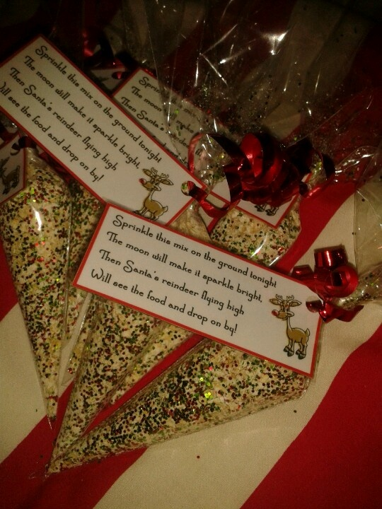 Reindeer food i made for the kids at school...oats and glitter in cone cello bags. Made the labels on microsoft word