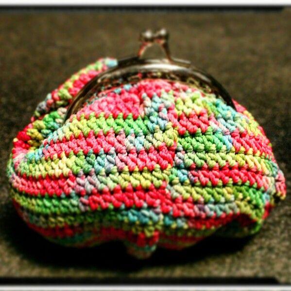Framed crochet purse