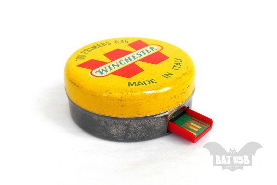 Retro usb tin yellow box flash drive 32GB Winchester by BatLab