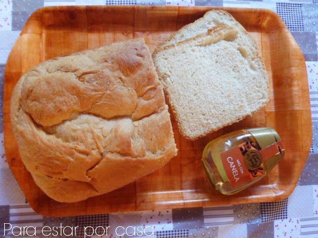 Para estar por casa: Pan de miel y canela {panificadora} Pan esponjoso, casi como un pan de molde. Si lo aguantamos dos días después de hornearlo, se puede utilizar para hacer torrijas. Puede hacerse también en el horno  #pan #panificadora #brioche #miga #esponjosa #miel #canela #lunademiel #amasar #levar #hornear #horno #recetas