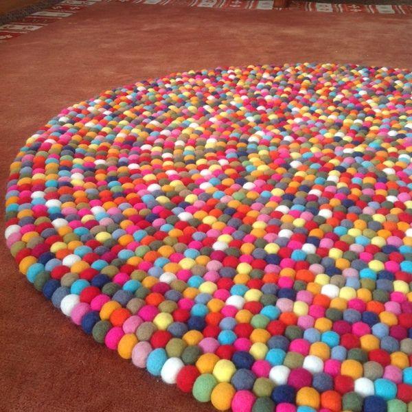 HY Modern Raumgestaltung  Filzkugel Teppich  Nepal von NepaFilz auf DaWanda.com