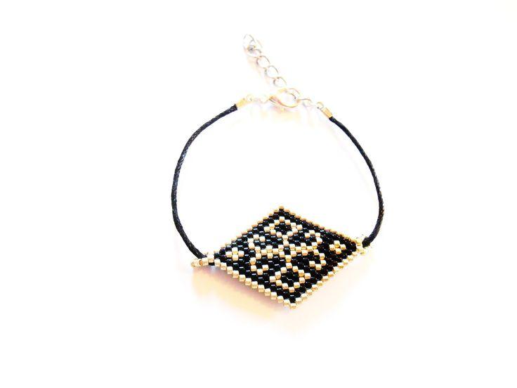 Bracelet fin losange en perle miuyki sur cordon en tissage peyote