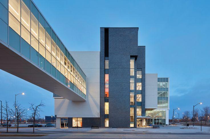 Image 1 of 20 from gallery of Sheridan College Hazel McCallion Campus - Phase II / Moriyama & Teshima Architects + Montgomery Sisam Architects. Photograph by Shai Gil