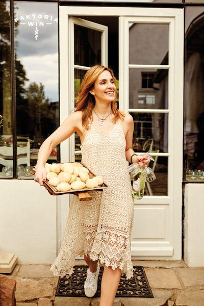 Lato, wino, radość!  #faktoriawin  #lunchtime #girl #wine #goodtime #garden #ogrod #lato #wino #moments #chardonnay
