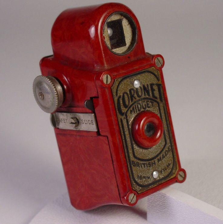 Coronet Midget Subminiature Camera Red