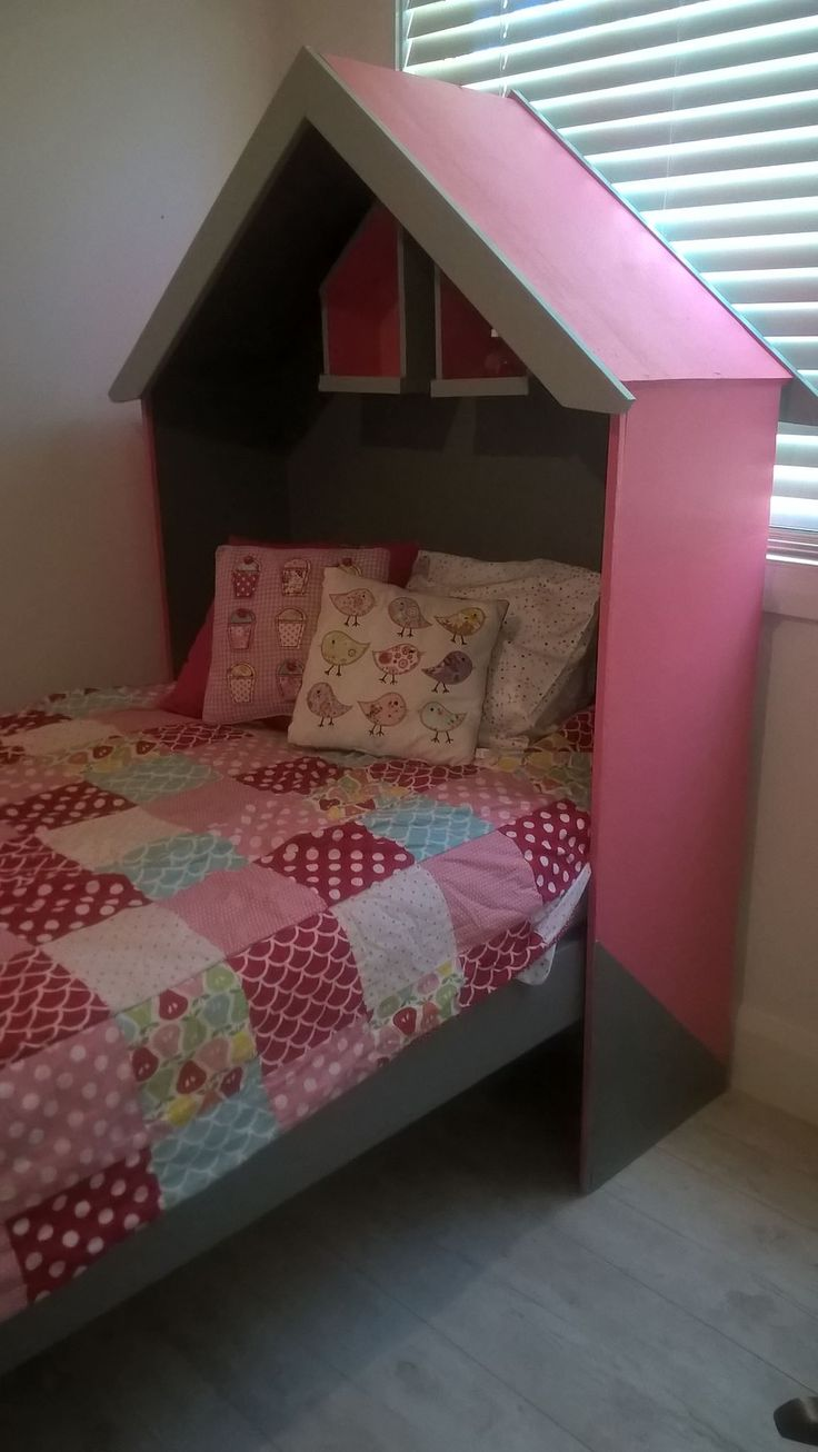 Girls house bed