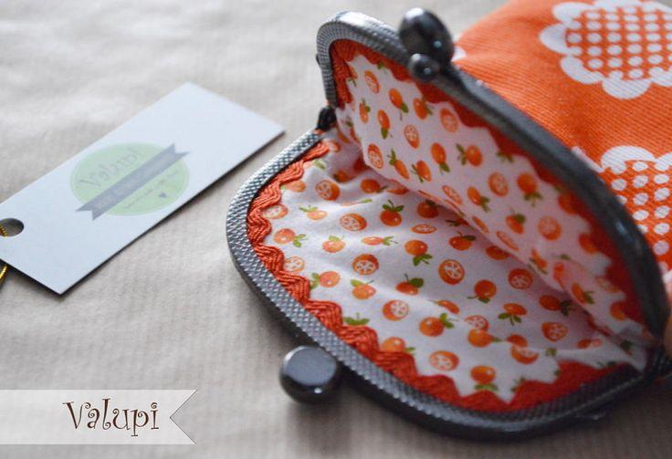 DIY - Como hacer un monedero de tela con boquilla metálica | Aprender manualidades es facilisimo.com