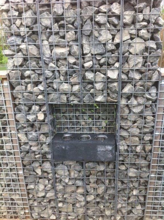 17 beste idee n over stenen afscheiding op pinterest gevelbeplating kleuren huis exterieur for Tuin decoratie met stenen