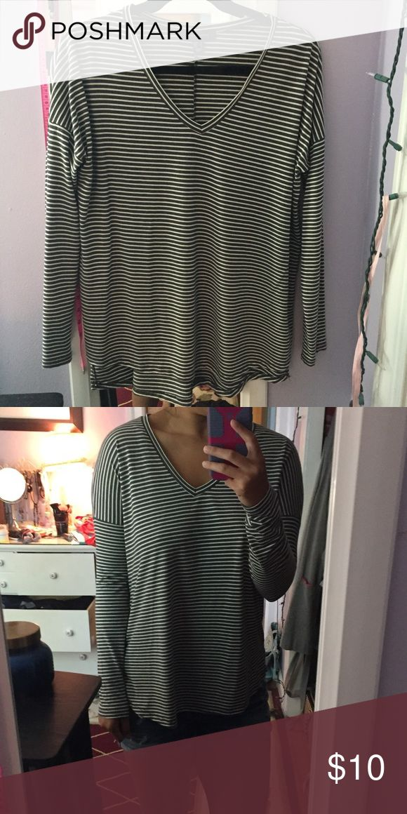 """Long sleeve striped top The perfect comfy and flirty striped shirt. Great fit. True to size. it's an """"8"""" aka a MEDIUM at primark. Love this but don't wear it. Euc. No flaws. YES I bundle🚫NO TRADES EVER🚫 no low balls. Don't ask to trade I will say no even if I love your closet. Negotiable ONLY USE OFFER BUTTON primark Tops Tees - Long Sleeve"""