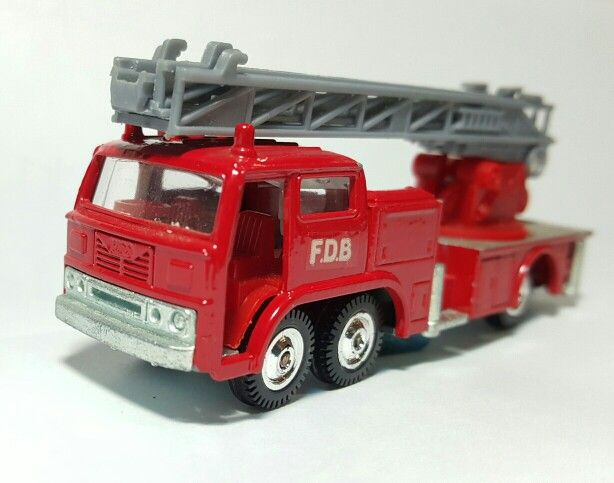 Hino Fire Engine by Eidai Corporation. Scale 1:87