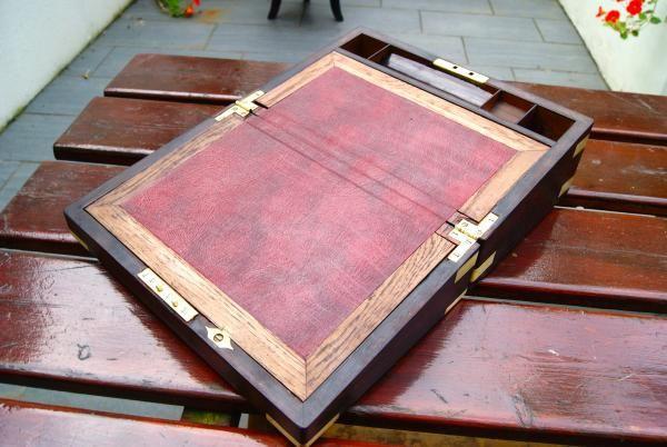 http://www.la-timonerie-antiquites.com/fr/antique/1127/ecritoire-de-voyage-d-039-officier-en-palissandre-ou-bois-de-rose-1870
