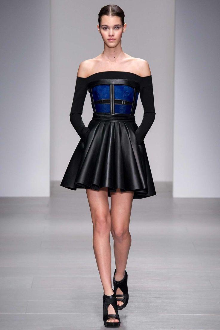 David Koma Fall 2014 Ready-to-Wear Collection Photos - Vogue