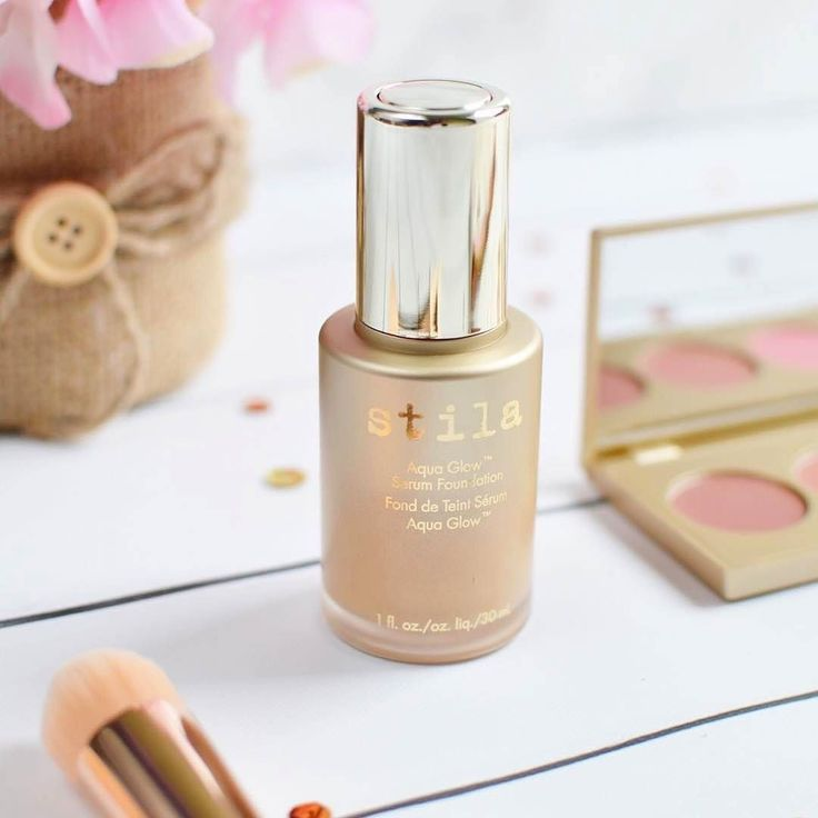 Get the perfect dewy skin with our Aquaglow Serum Foundation via @thebeautyroom.ph