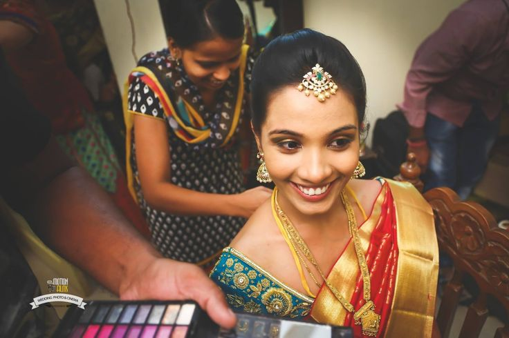 "😍 Emotion Films ""Portfolio"" album  #weddingnet #wedding #india #indian #indianwedding #ceremony #indianweddingoutfits #outfits #backdrops #prewedding #photographer #photography #inspiration #gorgeous #fabulous #beautiful #jewellery #jewels #details #traditions #accessories #lehenga #lehengacholi #choli #lehengawedding #lehengasaree #saree #bridalsaree #weddingsaree #tikka #earrings #pune #gold #darkblue"