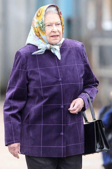 Queen Elizabeth II Photo - The Royal Family Disembark The Hebridean Princess