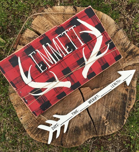 Buffalo plaid is now officially EVERYWHERE. BuffaWHOA! This door hangeris a show stopper and cute enough to inspire your entire nursery decor. Perfect photo prop for your newborn baby photo shoot! This could work for a baby boy or OR baby girl. Twine, arrows, antlers, distressed pallet wood