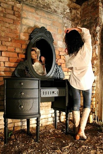 Des meubles aux Effets de bois carbonisé decodesign / Décoration