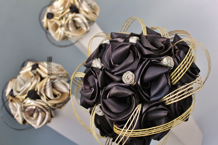 Black & white bouquets  www.flaxation.co.nz
