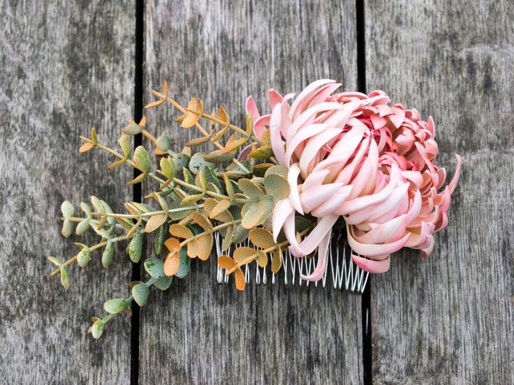 Flower hair comb, wedding accessories by VerdiWealth on Etsy