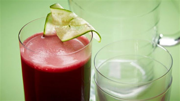 Fight cholesterol with this quick and easy juice recipe.