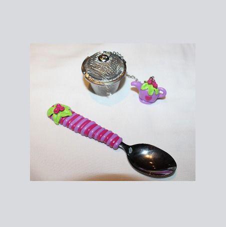 Filtre à thé théiere rose et petite cuillère assortie : Cuisine et service de table par ludifimo