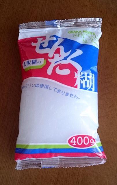 Akikoさん@日本はこんな仕上げ液を試しています。「型紙から剥がすときにくっつきすぎて、 どうしても形が崩れてしまって… これから濃度などいろいろ試してみますね。 ちなみにこの洗濯のり、60円でした。 日本にしてはリーズナブルですよね。 うまく使いこなせればよいのですが…」貴重な情報をありがとうございます。20150430