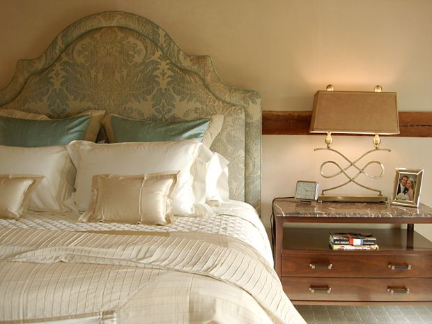 champagne color bedroom classic luxurious bedroom design in champagne champagne 11015