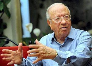 Tunisie , Partis politiques : Béji Caid Essbessi parlant de Moncef Marzouki '' Je respecte la fonction et non pas la personne ''