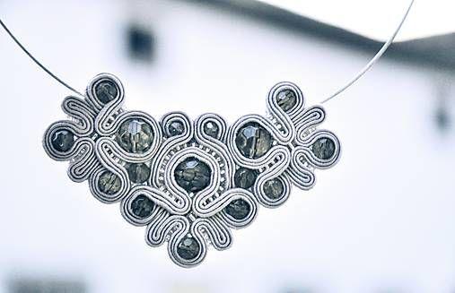 Cukorpalantak / Strieborné soutache náhrdelník