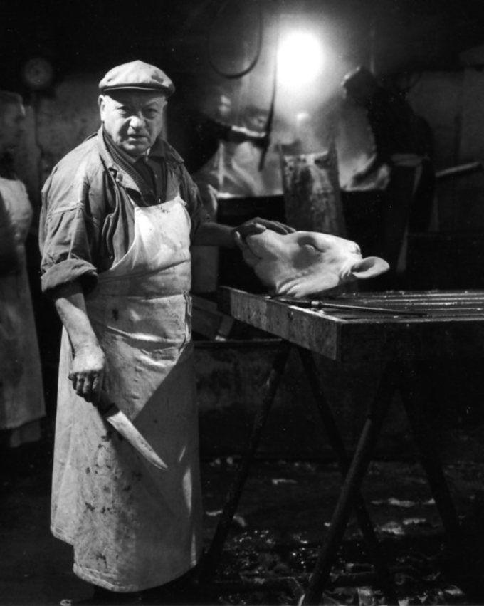 Atelier Robert Doisneau | Galeries virtuelles des photographies de Doisneau - Paris - Les Halles | L'échaudoir de la Rue Sauval