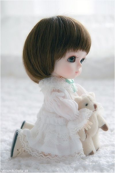 She is adorable!  from apositivelybeautifulblog