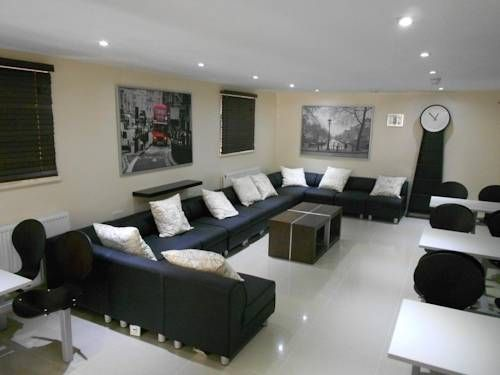 247 London Hostel London A 5-minute walk from Kilburn Tube Station, 247 London Hostel provides well-appointed accommodation with free Wi-Fi and breakfast. This hostel offers private rooms as well as beds in mixed and all-female dormitories.