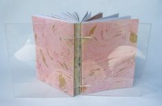 Técnica de marmorização de papel (site em português): http://www.ehow.com.br/tecnicas-marmorizar-papel-estrategia_30794/