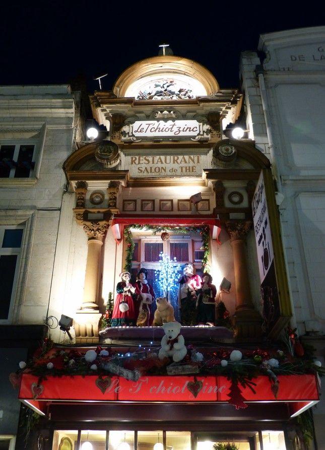 Promenons-nous dans Noël Restaurant le T'chiot Zinc où on mange bien ....