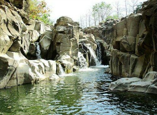 Celebes Canyon Barru, lokasi foto kekinian ini terletak di Dusun Watu, Desa Libureng, Kecamatan Tanete Riaja. #CelebesCanyon #Canyon #Indonesia #Makassar #Exploremakassar #MakassarIndonesia #PesonaMakassar #HelloMakassar #Nature #Naturephotography