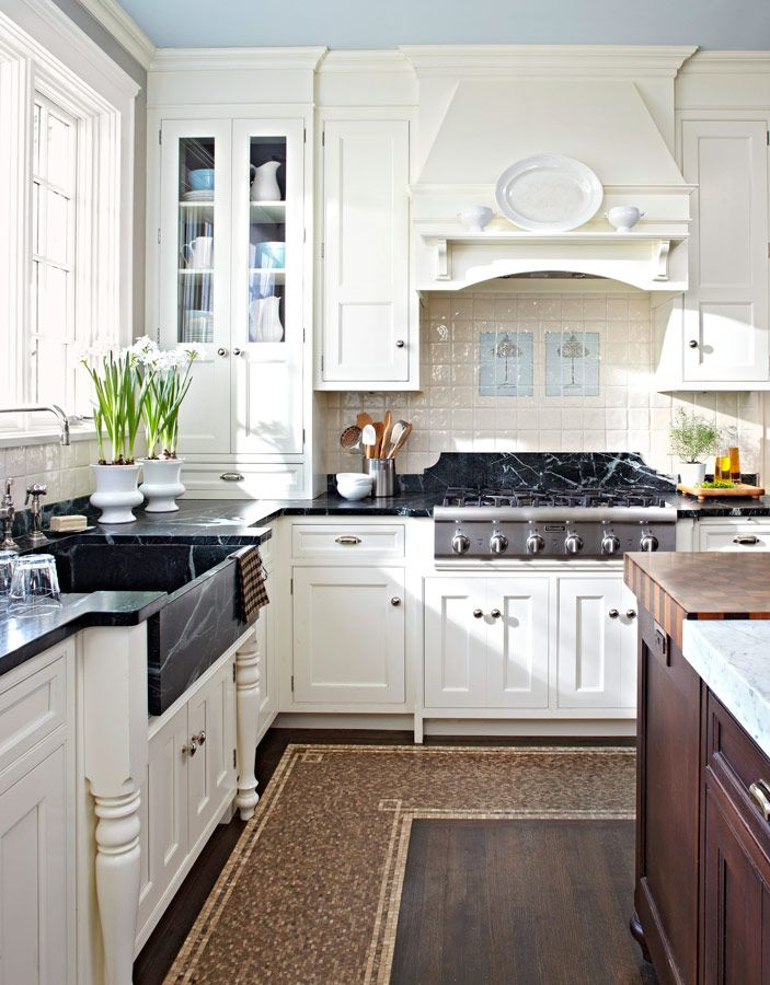 Traditional Home Kitchen: Family-Friendly Kitchens