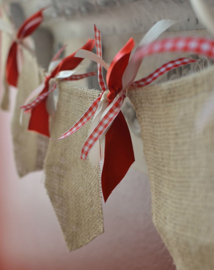 Love the red gingham with the burlap!