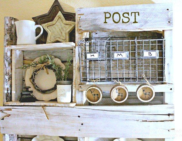 pallet mail post station, diy, organizing, pallet, repurposing upcycling, seasonal holiday decor, woodworking projects