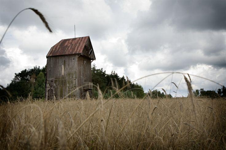 Wiatrak koźlak w Marcjanowie. Gmina Kawęczyn. Swojskie Klimaty.
