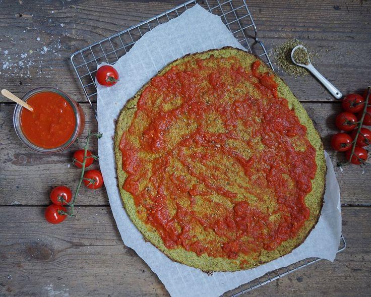 Broccolipizza med tun, oliven og mozzarella   Costume.dk