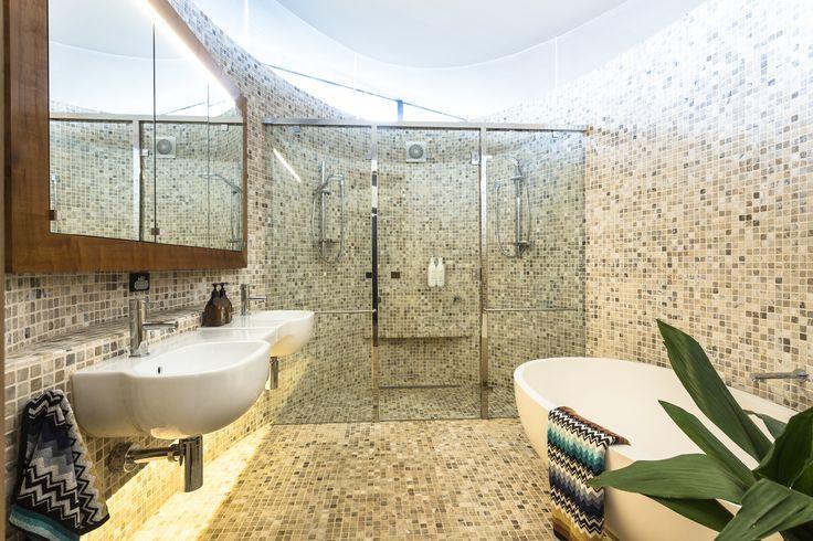 #architecture #homedesign #glass #natural #tasmania #bathroomdesign