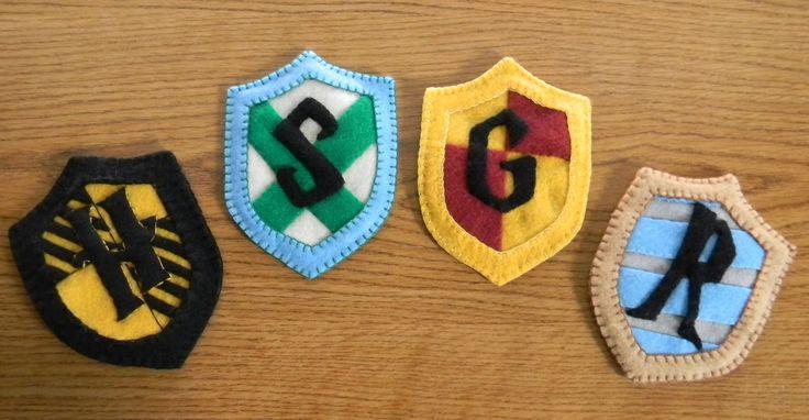 harry potter felt patterns | Made By Madlen: Harry Potter House Crest Felt Ornament
